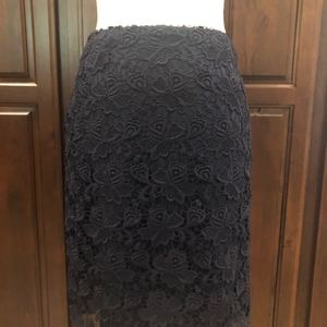 BANANA REPUBLIC NAVY LACE PENCIL SKIRT- SIZE 0